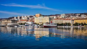 Rijeka-pogled-na-grad